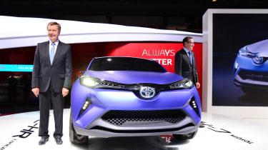 丰田C-HR概念到达巴黎电机展