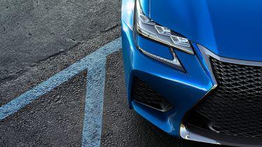 首先看雷克萨斯GS F超级轿车