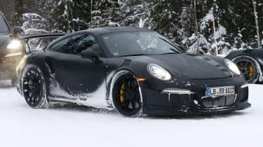 铁杆保时捷911 GT3 RS冬季测试