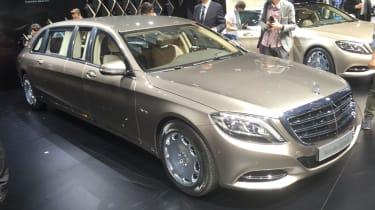 Mercedes-Maybach Pullman Limo到达日内瓦