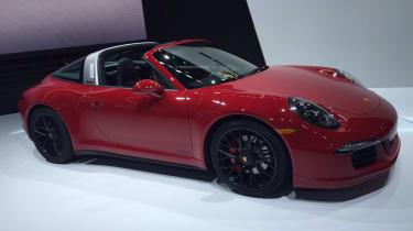 保时捷911 Targa 4 GTS获得额外的电源和造型调整