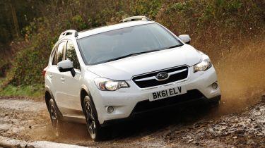 Subaru规定了Juke风格的交叉,但眼睛赛车返回