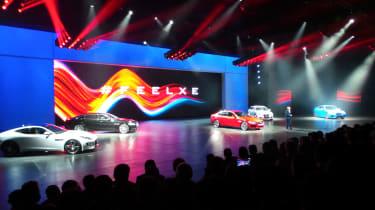 Jaguar XE推出extravaganza的所有行动