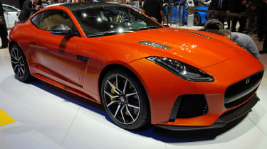 新的Jaguar F型SVR:200万小时jag使日内瓦首次亮相