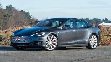 新的Tesla模型S和Model x 100d添加额外的范围到阵容