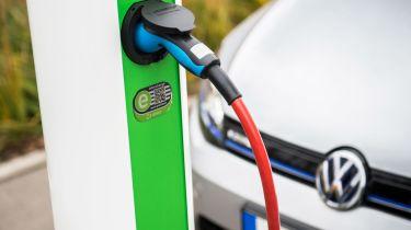 大众汽车投资于欧洲电动汽车充电平台