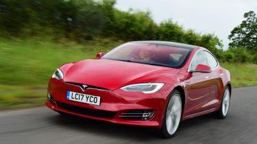"""美国报告发现特斯拉模型S可以发出更多的""""终身二氧化碳""""而不是汽油超级麦尼"""