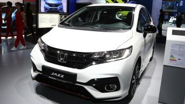 新的2018 Facelifted Honda Jazz销售从14,115英镑
