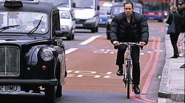 """""""荷兰达到""""将添加到英国公路代码中以保护骑自行车者"""