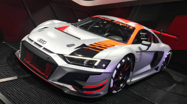 更新了奥迪R8 LMS GT3戏弄2019年道路汽车整容