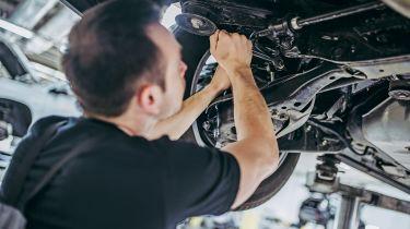 独家的:修理汽车零部件可以在替换件上节省近3000英镑