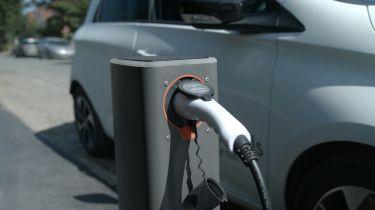 英国电动汽车司机面临充电点斗争