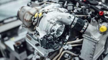 新的梅赛德斯-AMG Eturbo技术揭示了