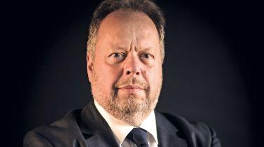 独家的:Andy Palmer在2030年的汽油和柴油禁令上