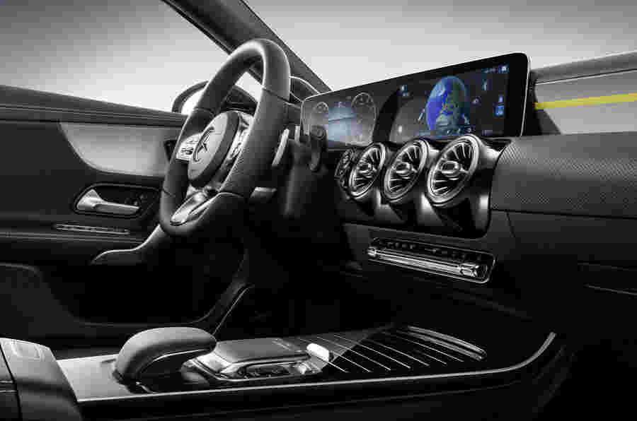 梅赛德斯 - 奔驰展示了新的A级'奢侈品'内部