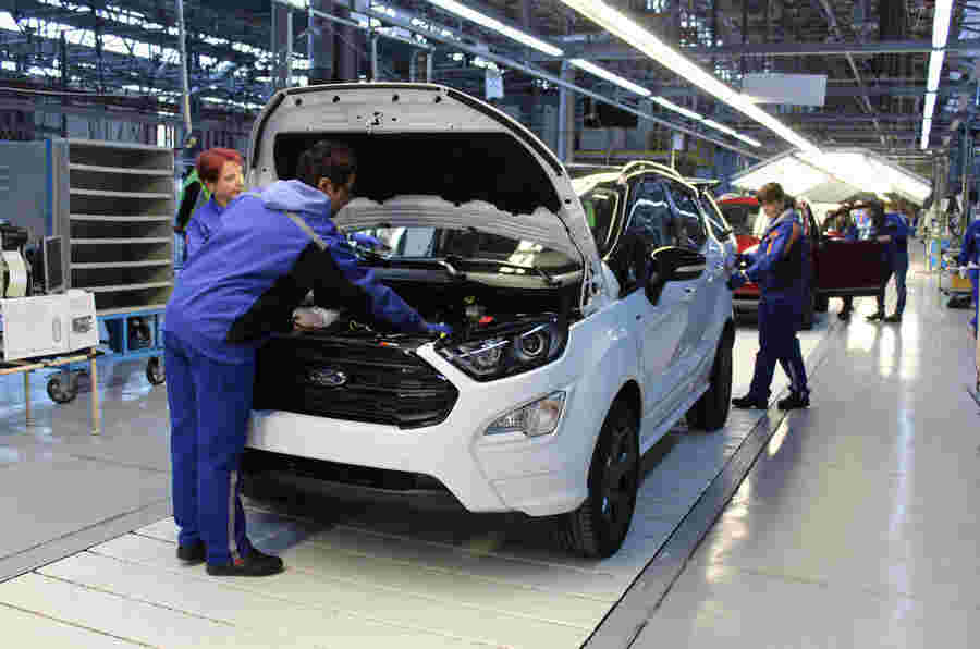 领先的汽车品牌加入以减少原材料使用