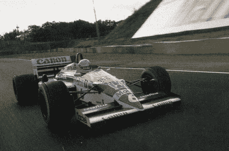 Throwback周四:驾驶1987年F1冠军威廉姆斯FW11B