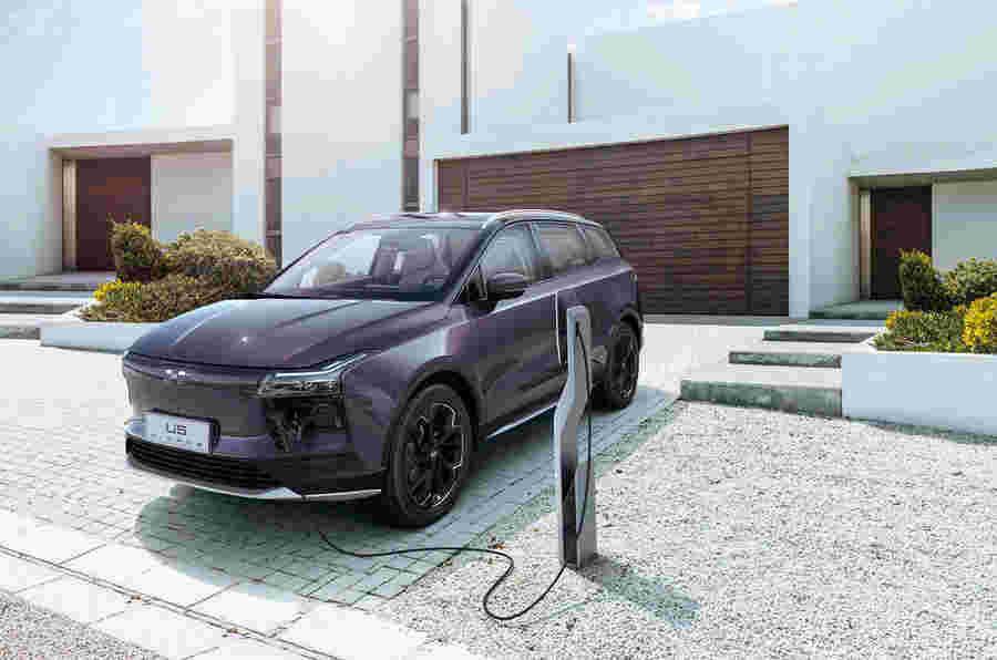 中国政府削减电动汽车补贴