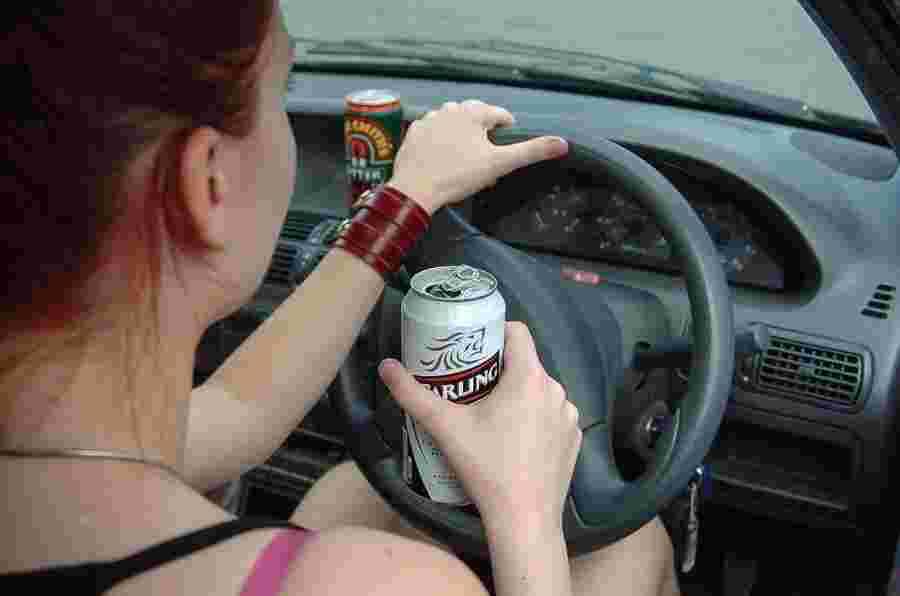 自2010年以来,少执法被引用作为饮酒驾驶死亡没有显着下降
