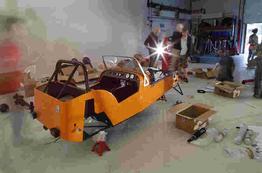 分析:英国套装汽车制造商销售趋势