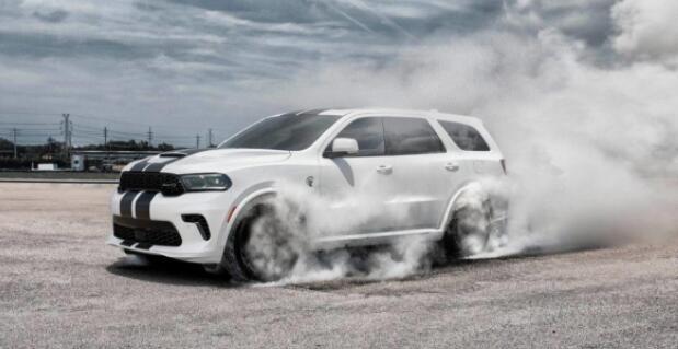 汽车评论:2021年道奇杜兰戈SRT Hellcat AWD