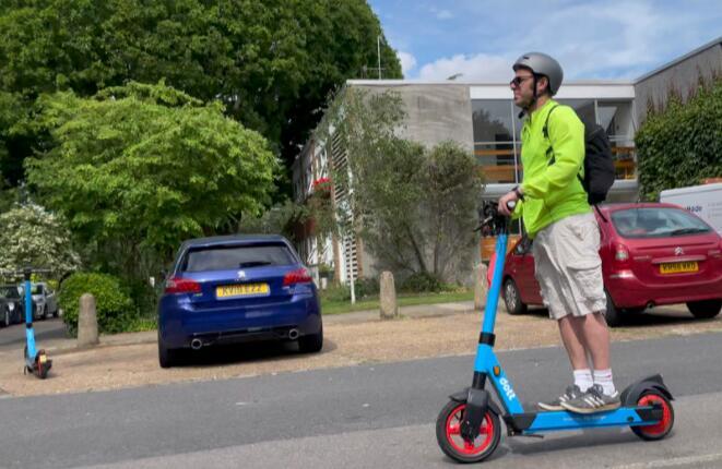 电动滑板车:城市交通的未来还是城市威胁?